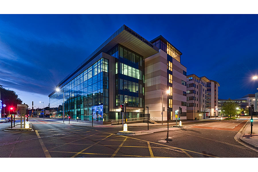 Hargreaves Lansdown Photo 7 Night Shot