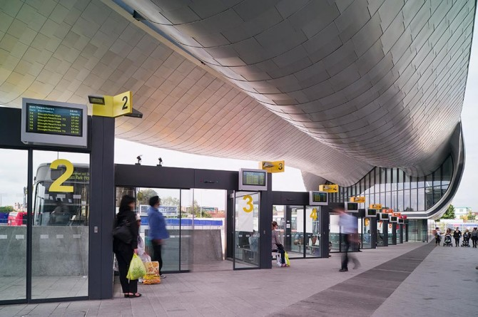 Slough-bus-station-photo-02